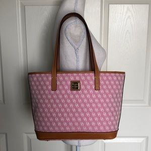 NWT Dooney & Bourke Tote shoppers bag pink